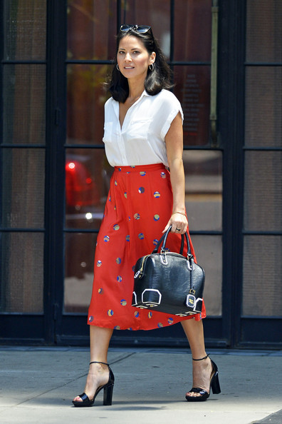 More Pics of Olivia Munn Leather Bowler Bag (1 of 5) - Leather Bowler Bag Lookbook - StyleBistro