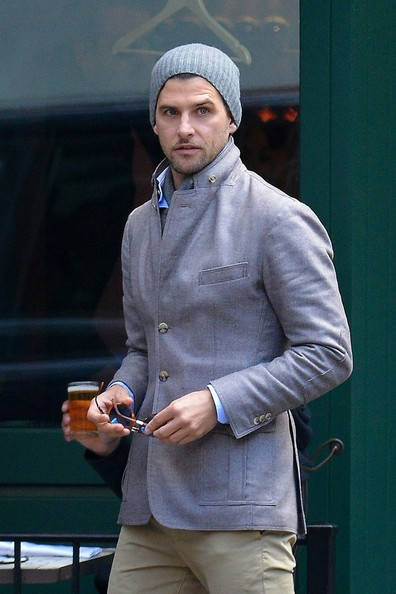 Johannes Huebl accessorized his daytime look with a gray beaning.