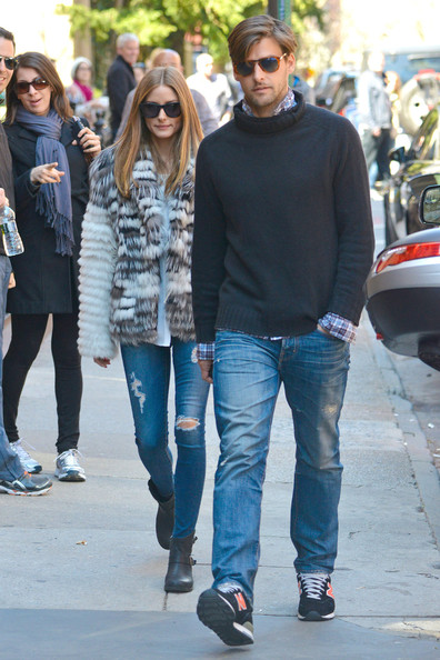 Johannes Huebl chose a pair of classic blue jeans for his daytime look while out with girlfriend Olivia Palermo.