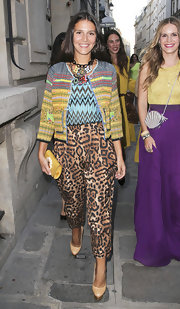 Margherita Missoni completed her busy ensemble with a pair of pale pink pumps with gold platforms.
