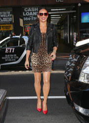 Paula Patton added a dose of color to her ensemble with a pair of red pointy pumps when she visited the 'Today' show.