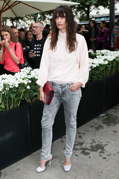 Caroline chose a pair of light-wash jeans for her look at the Fendi store opening in Paris.