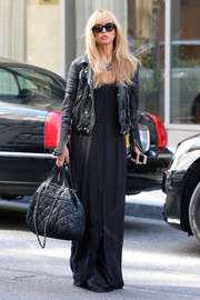Rachel Zoe infused some edginess into her boho style with a ribbed black leather jacket.