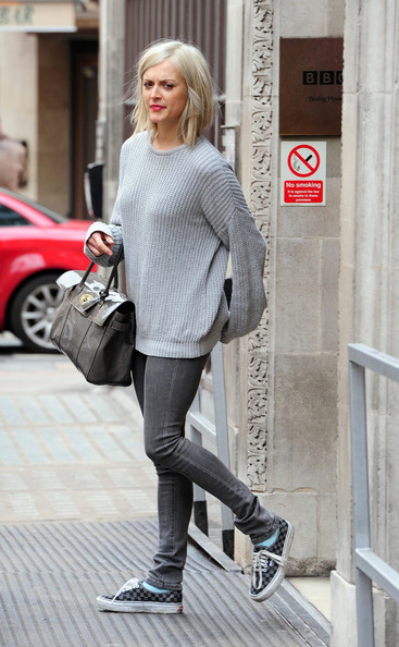 31be8fbee7555d Fearne Cotton kept her look casual in an oversized sweater and checkered  canvas kicks. Canvas Shoes
