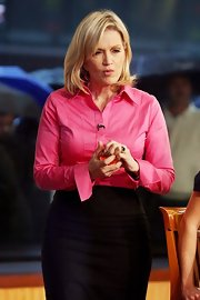 Diane Sawyer's pink button-down shirt and black pencil skirt on 'Good Morning America' were a classic pairing.