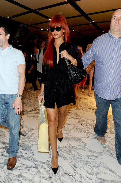 rihanna dresses 2011. Rihanna Clothes