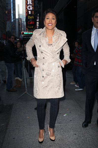 Robin Roberts finished off her look with a pair of two-tone platform pumps.