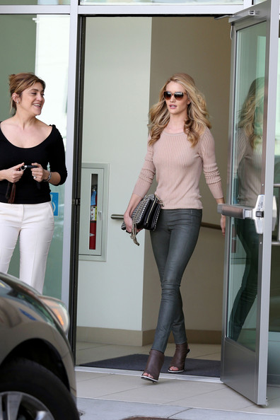 More Pics of Rosie Huntington-Whiteley Crewneck Sweater (1 of 19) - Rosie Huntington-Whiteley Lookbook - StyleBistro