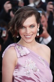 Milla Jovovich arrived at the 'On the Road' premiere wearing an exquisite pair of hand-painted Baroque pearl earrings.