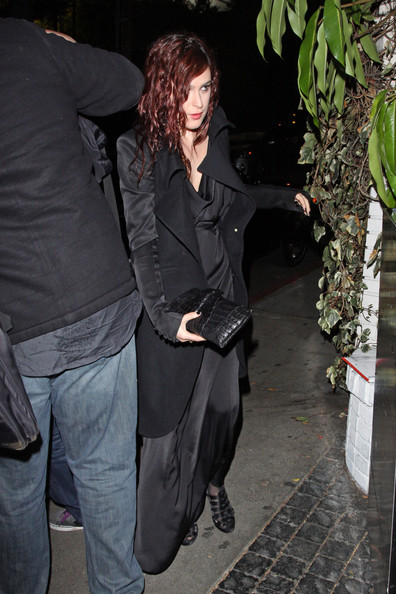 More Pics of Rumer Willis Oversized Clutch (1 of 6) - Oversized Clutch Lookbook - StyleBistro