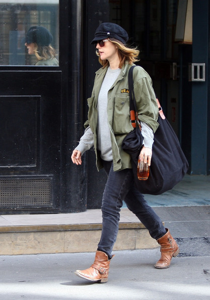 More Pics of Drew Barrymore Classic Jeans (4 of 10) - Drew Barrymore Lookbook - StyleBistro