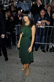 Salma showed off her enviable figure in this gorgeous emerald green dress on the 'Wendy Williams Show.'