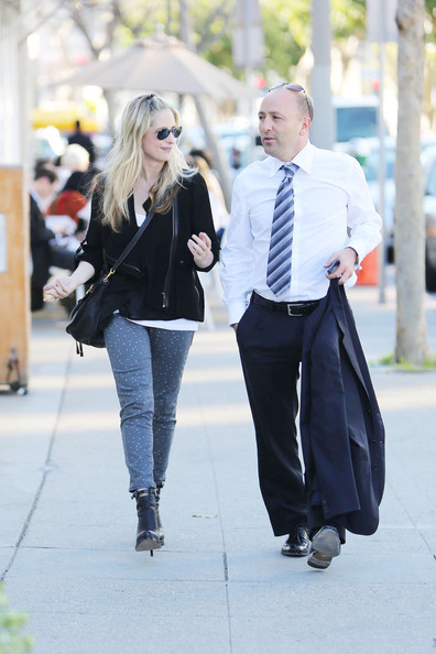 More Pics of Sarah Michelle Gellar Print Pants (5 of 13) - Skinny Jeans Lookbook - StyleBistro