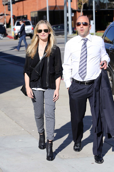 More Pics of Sarah Michelle Gellar Print Pants (3 of 13) - Skinny Jeans Lookbook - StyleBistro