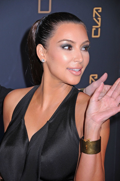 More Pics of Kim Kardashian Pink Lipstick (1 of 8) - Kim Kardashian Lookbook - StyleBistro