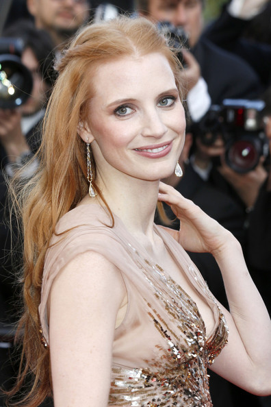 More Pics of Jessica Chastain Long Wavy Cut (1 of 2) - Long Wavy Cut Lookbook - StyleBistro