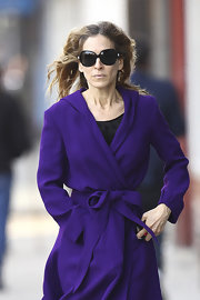Sarah Jessica Parker protected her peepers with a pair of black oversize square-shaped sunglasses.