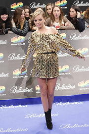 This glittery gold dress was a fun choice for Alexandra at the 40 Principales Awards in Spain.