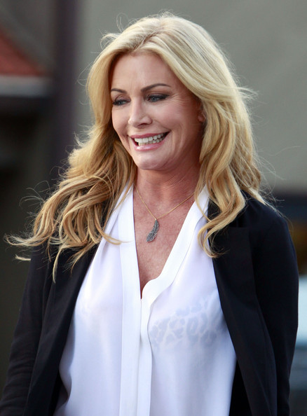 Shannon Tweed Long Wavy Cut