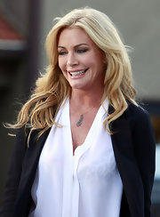 Shannon Tweed wore a pretty leaf pendant necklace while out at Beverly Glenn Market.