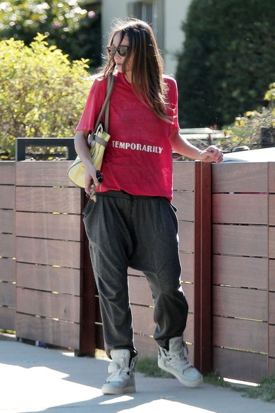 Sharni Vinson Clothes