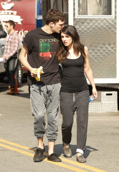 Shenae Grimes Hangs Out With Her Boyfriend on Set