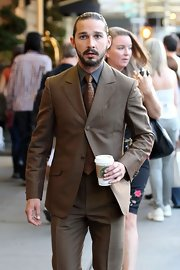 Shia LaBeouf's star-print tie and brown suit were a totally stylish pairing.