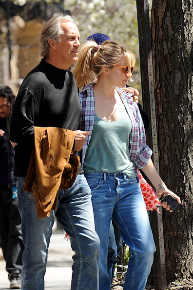 Sienna Miller Spends the Day With Her Parents 2