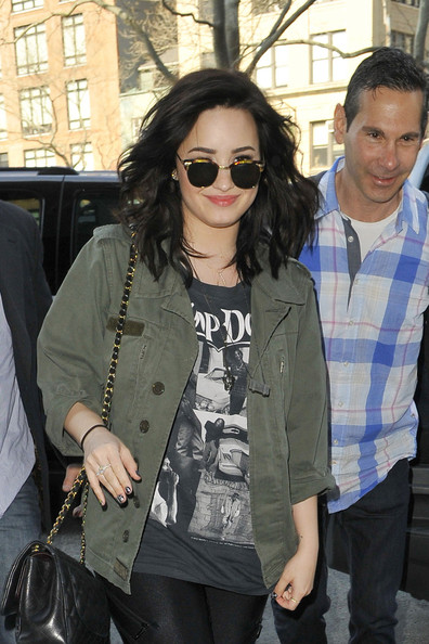 More Pics of Demi Lovato Utility Jacket (1 of 21) - Demi Lovato Lookbook - StyleBistro