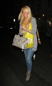 That floral tote Liz Mcclarnon was carrying really sweetened up her look.