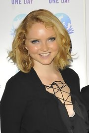 Lily Cole kept it short and sweet with this wavy bob at the Peace One Day event.