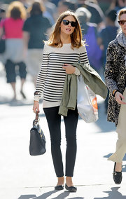 Olivia Palermo was casually sophisticated in a pair of dark denim skinny jeans and black ballet flats.