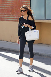 Sofia was spotted in Studio City toting a white Birkin bag.