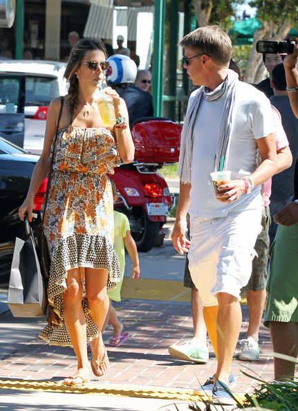 More Pics of Alessandra Ambrosio Aviator Sunglasses (1 of 17) - Aviator Sunglasses Lookbook - StyleBistro