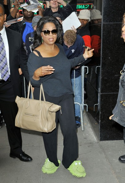 More Pics of Oprah Winfrey Round Sunglasses (1 of 25) - Oprah Winfrey Lookbook - StyleBistro