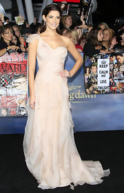 Ashley Greene looked heavenly in this frothy blush gown at the 'Twilight' premiere.