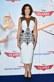 Teri Hatcher rocked the black-and-white look with this printed frock that featured a sheer black illusion neck.