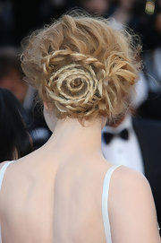 Nicole Kidman's spiral braided bun added a fun and playful touch to the star's gorgeous red carpet look.