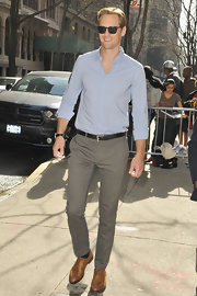 Alexander Skarsgard chose a light blue button down to keep his look light and springtime-appropriate.