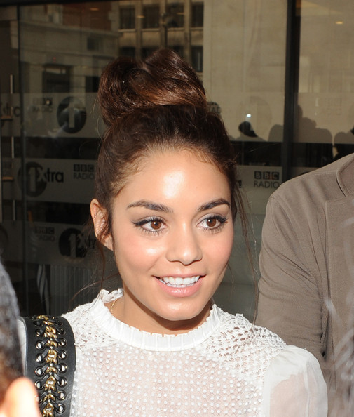 Vanessa Hudgens Cat Eyes