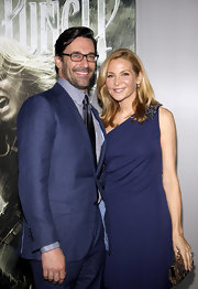 Jennifer Westfeldt carried a sequined disc Carillon clutch to the premiere of 'Sucker Punch.'