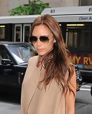 Victoria Beckham kept her hair easy and low-maintenance with this long and wavy style.