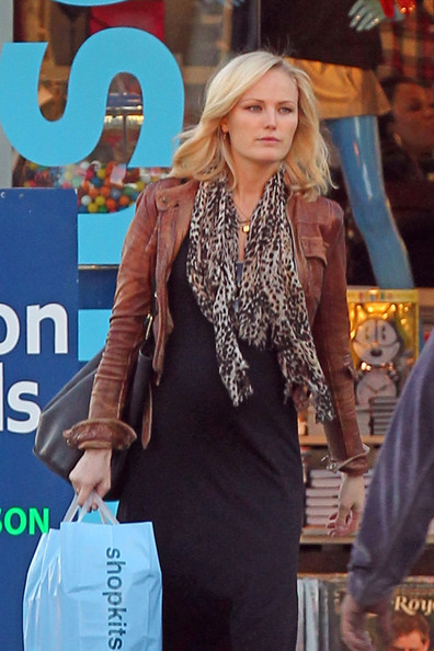 Malin Akerman shops Kitson in LA