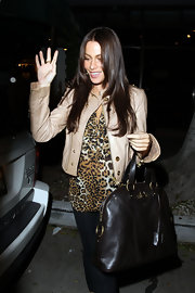 Sofia Vergara showed off a luxe leather tote while hitting Madeo's restaurant for dinner.