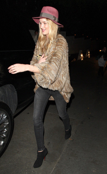 More Pics of Rosie Huntington-Whiteley Fur Coat (1 of 11) - Fur Coat Lookbook - StyleBistro