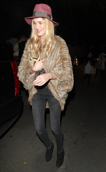 More Pics of Rosie Huntington-Whiteley Ankle boots (2 of 11) - Rosie Huntington-Whiteley Lookbook - StyleBistro