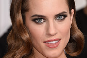 Allison Williams Retro Hairstyle
