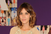 Alexa Chung's Two Toned Medium Curls