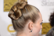 Amanda Seyfried Twisted Bun