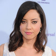 Aubrey Plaza Hair - Medium Wavy Cut with Bangs